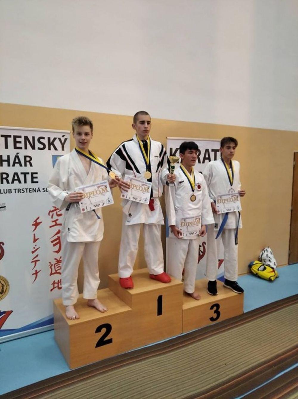 Úspechy AC UNIZA Karate klub Žilina počas októbra, foto 5