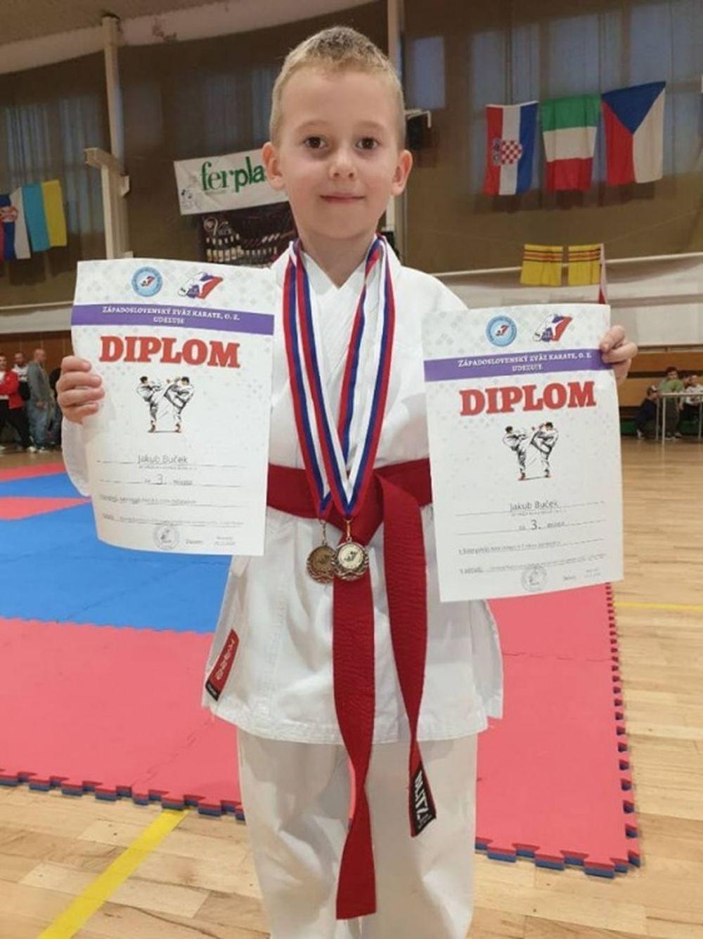 Úspechy AC UNIZA Karate klub Žilina počas októbra, foto 26