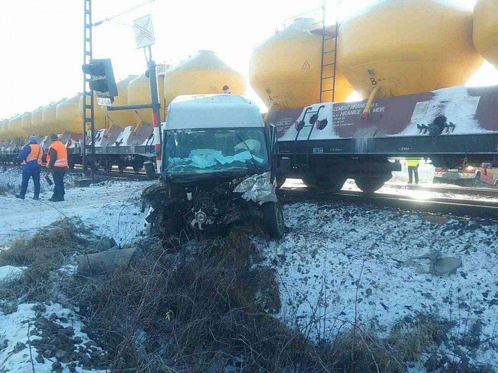 Zrážka dodávky s vlakom Liptovský Mikuláš 5.12.2019, foto 3