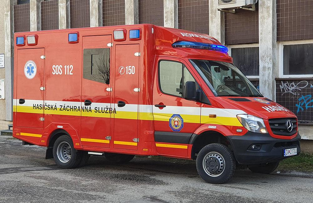 FOTO: Na pošte v Tepličke nad Váhom zasahujú záchranné zložky, má ísť o podozrivú zásielku , foto 7