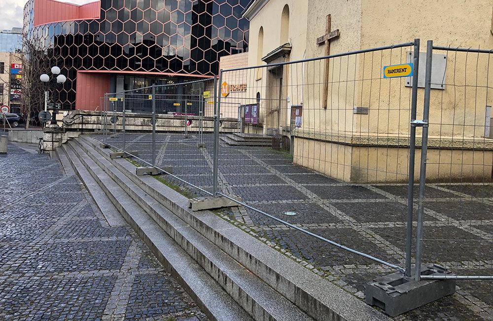 FOTO: Katedrálu Najsvätejšej Trojice v centre Žiliny už oplotili, začína rekonštrukcia, foto 1