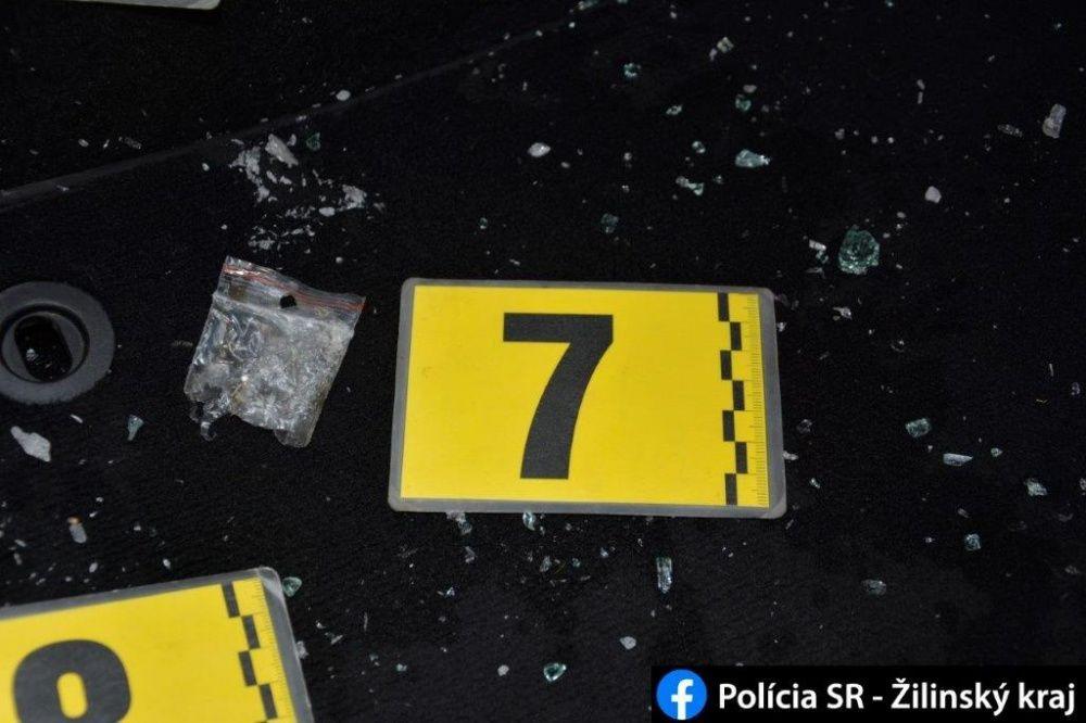 FOTO: Počas akcií MAMA a KOMPÓT zadržala žilinská polícia dve dílerky drog s pervitínom, foto 5