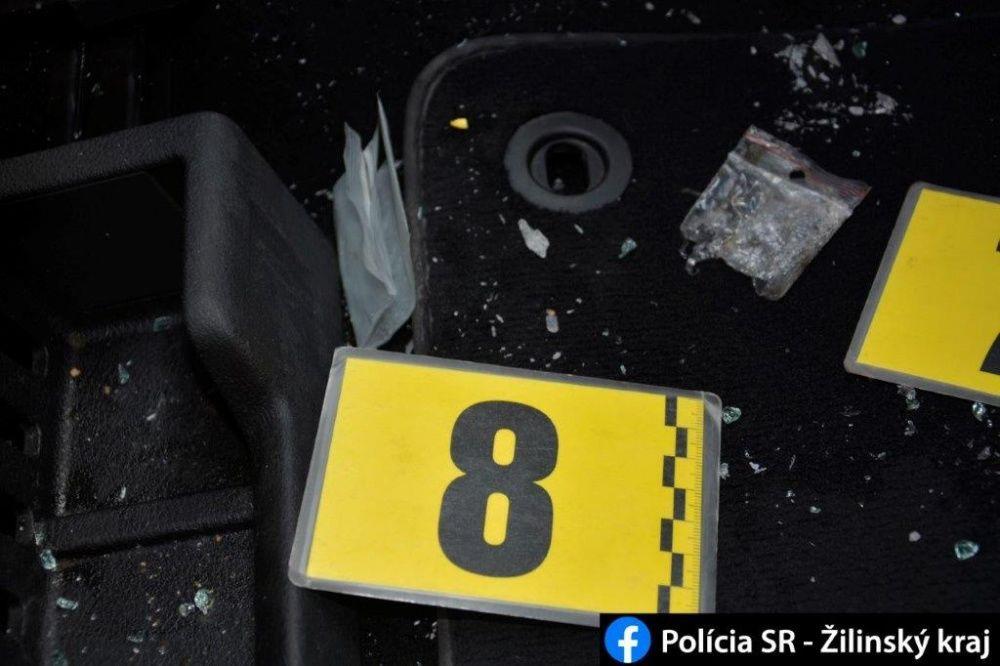 FOTO: Počas akcií MAMA a KOMPÓT zadržala žilinská polícia dve dílerky drog s pervitínom, foto 6