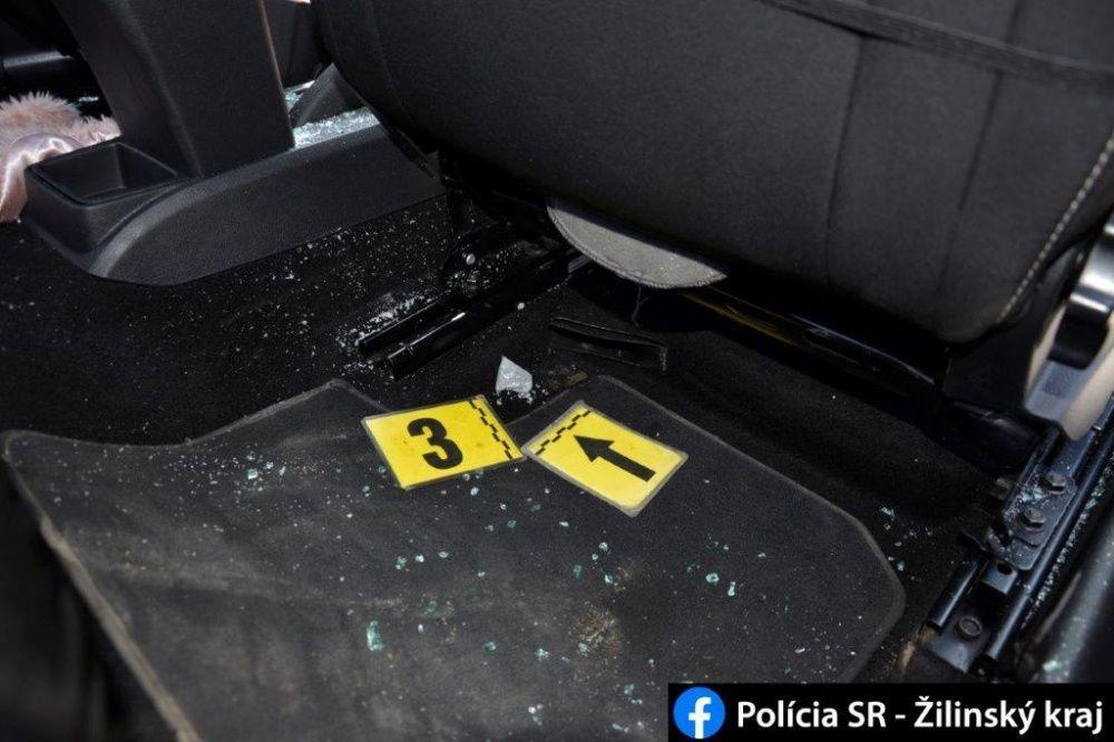 FOTO: Počas akcií MAMA a KOMPÓT zadržala žilinská polícia dve dílerky drog s pervitínom, foto 11
