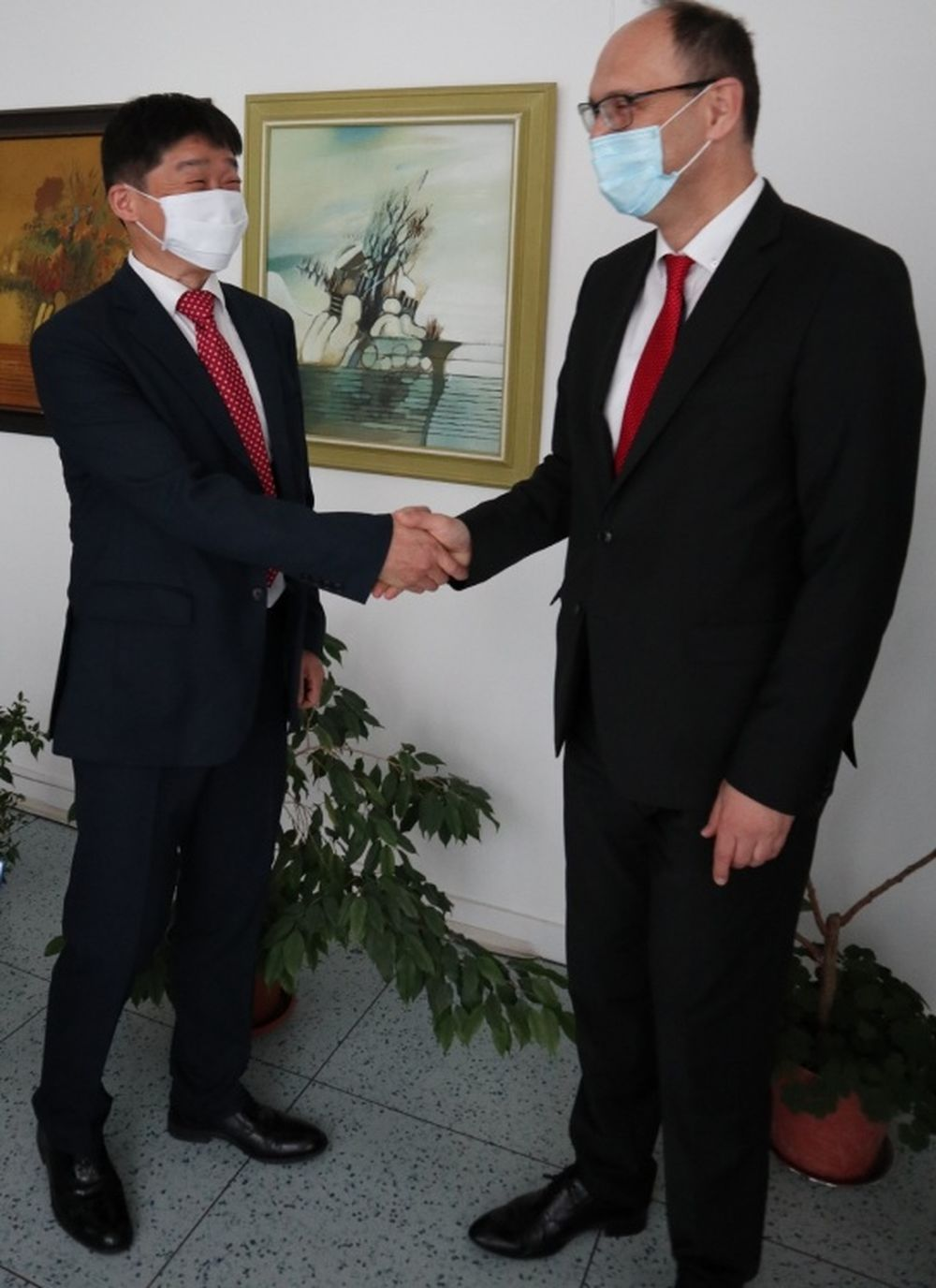 Mobis Slovakia dar nemocniciam v boji proti COVID-19, foto 2