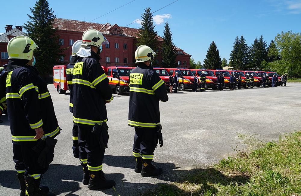 Odovzdanie nových vozidiel pre dobrovoľné hasičské zbory v Žilinskom kraji 22.5.2020, foto 1