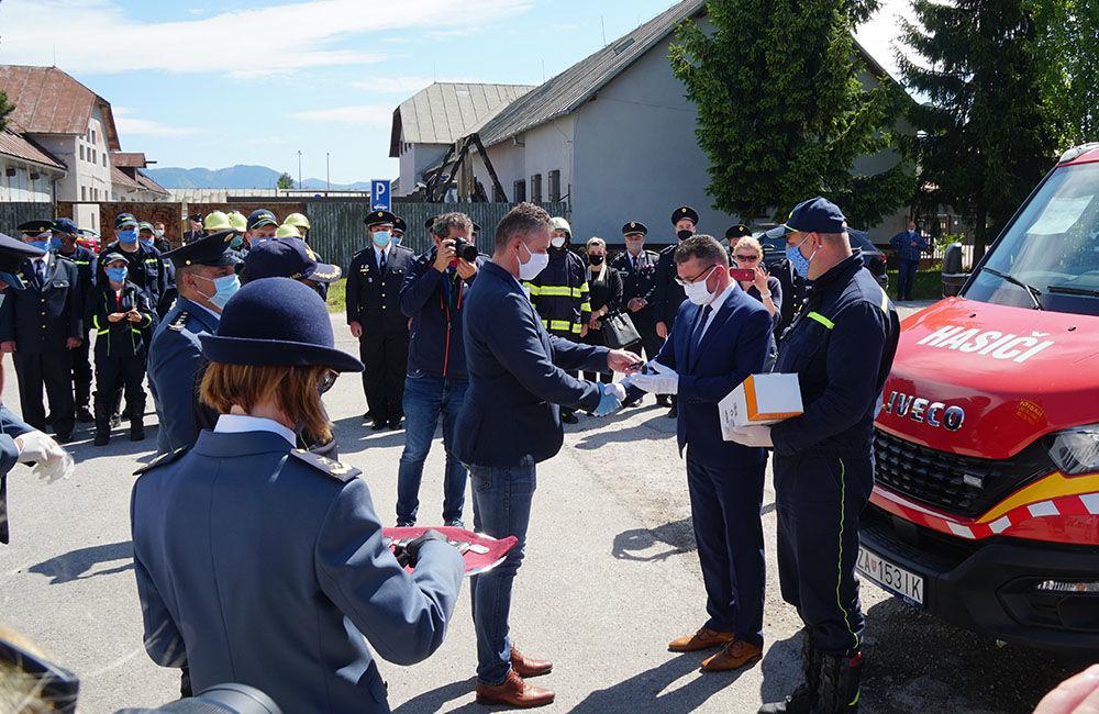 Odovzdanie nových vozidiel pre dobrovoľné hasičské zbory v Žilinskom kraji 22.5.2020, foto 7