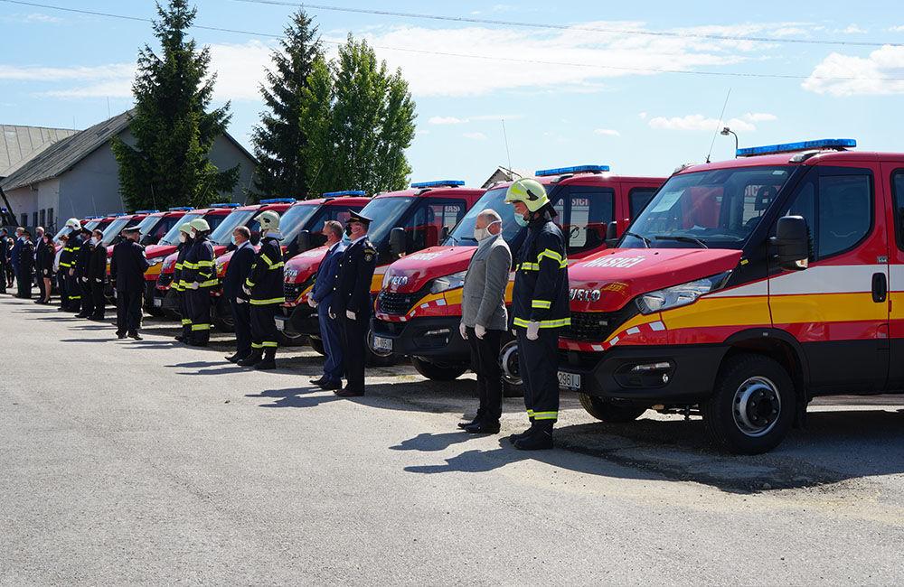 Odovzdanie nových vozidiel pre dobrovoľné hasičské zbory v Žilinskom kraji 22.5.2020, foto 12
