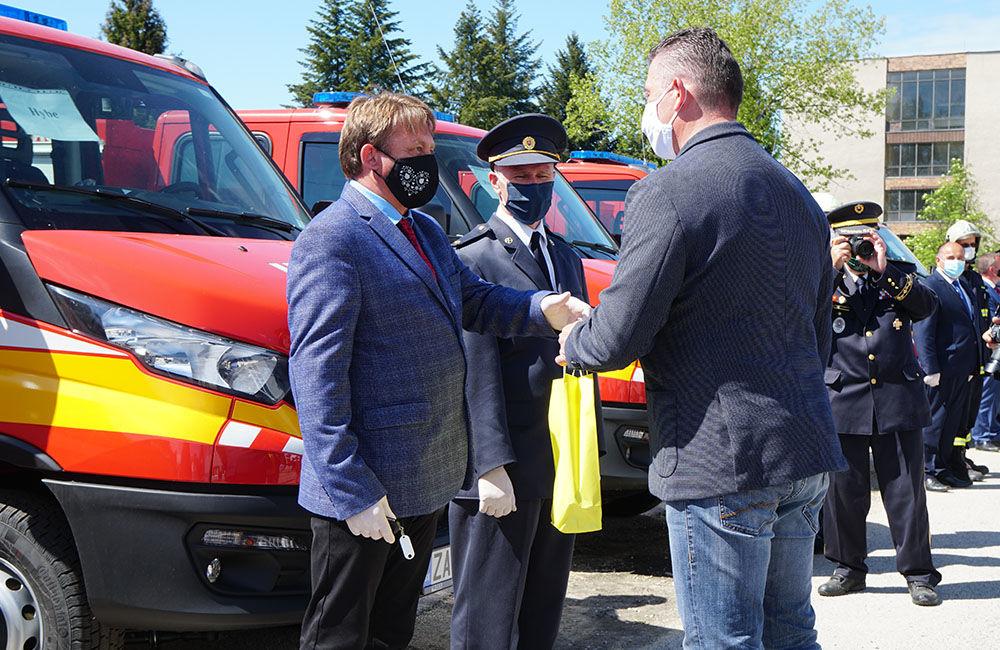 Odovzdanie nových vozidiel pre dobrovoľné hasičské zbory v Žilinskom kraji 22.5.2020, foto 10