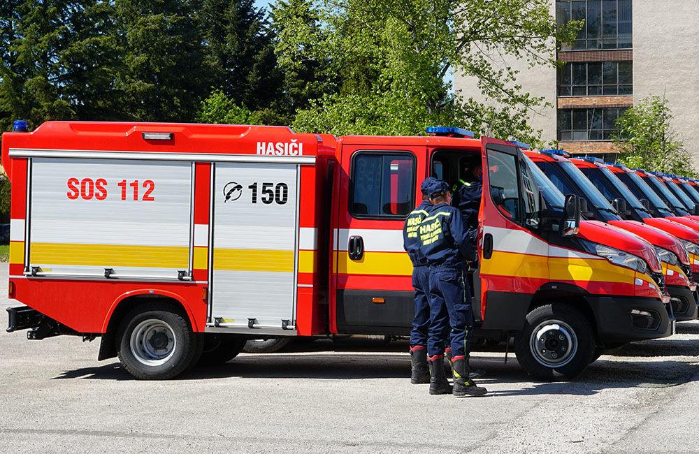 Odovzdanie nových vozidiel pre dobrovoľné hasičské zbory v Žilinskom kraji 22.5.2020, foto 18