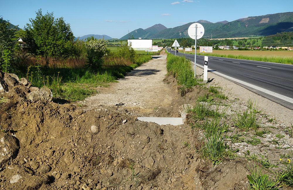 Budovanie novej cyklotrasy cez obce Teplička nad Váhom, Nededza a Varín, foto 3