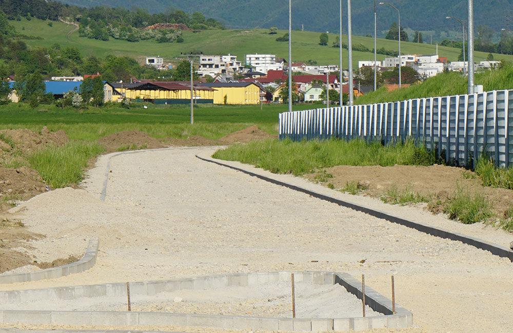 Budovanie novej cyklotrasy cez obce Teplička nad Váhom, Nededza a Varín, foto 7
