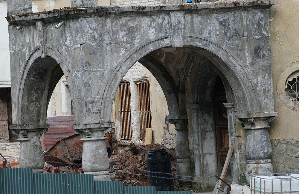 FOTO: Rekonštrukčné práce na vyhorenom zámku v Kunerade prebiehajú v plnom prúde, foto 7