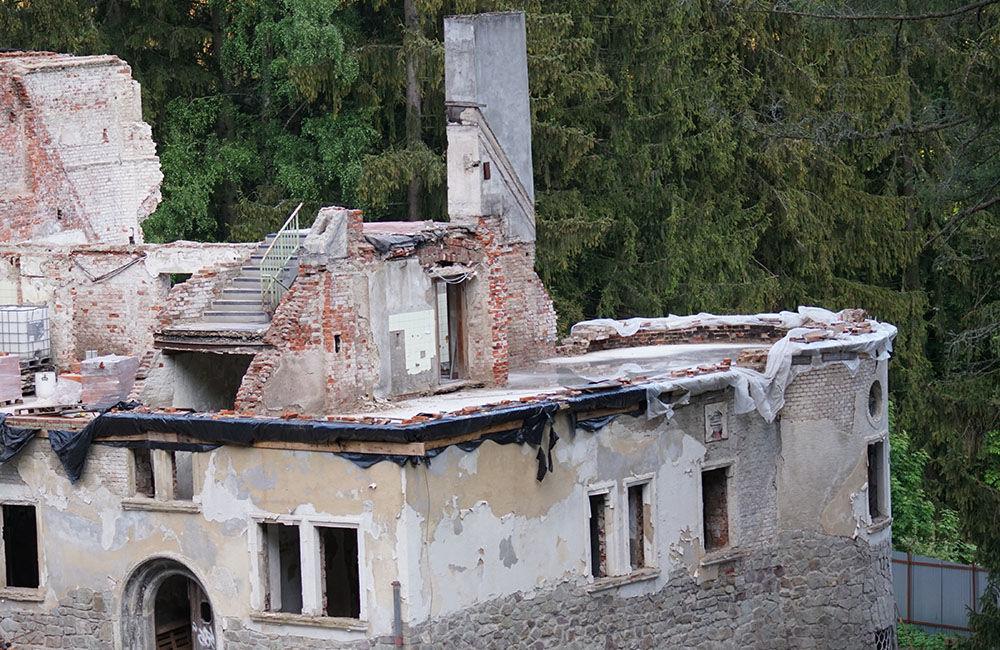 FOTO: Rekonštrukčné práce na vyhorenom zámku v Kunerade prebiehajú v plnom prúde, foto 11