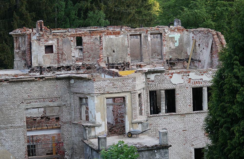 FOTO: Rekonštrukčné práce na vyhorenom zámku v Kunerade prebiehajú v plnom prúde, foto 14