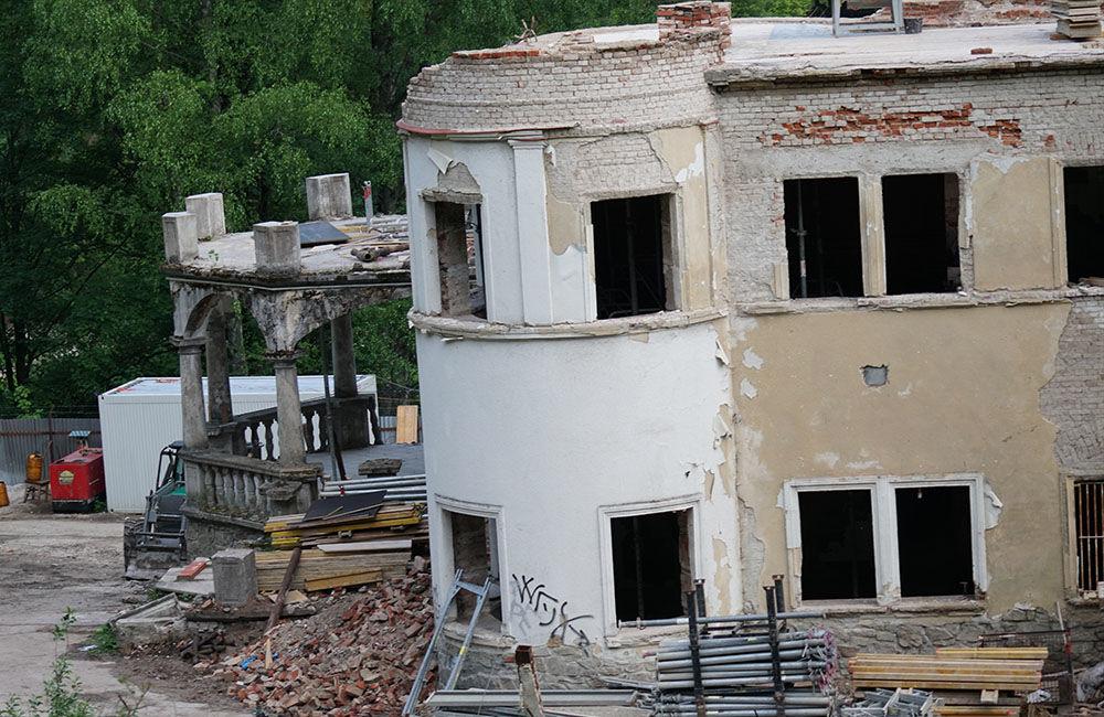 FOTO: Rekonštrukčné práce na vyhorenom zámku v Kunerade prebiehajú v plnom prúde, foto 15