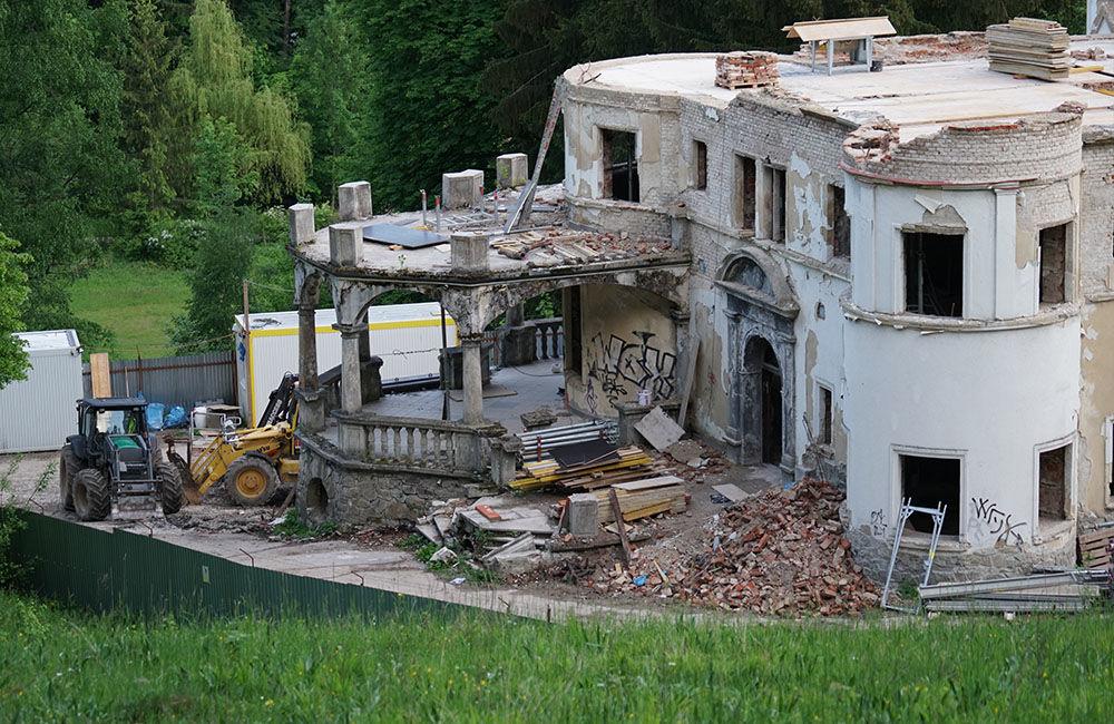 FOTO: Rekonštrukčné práce na vyhorenom zámku v Kunerade prebiehajú v plnom prúde, foto 16