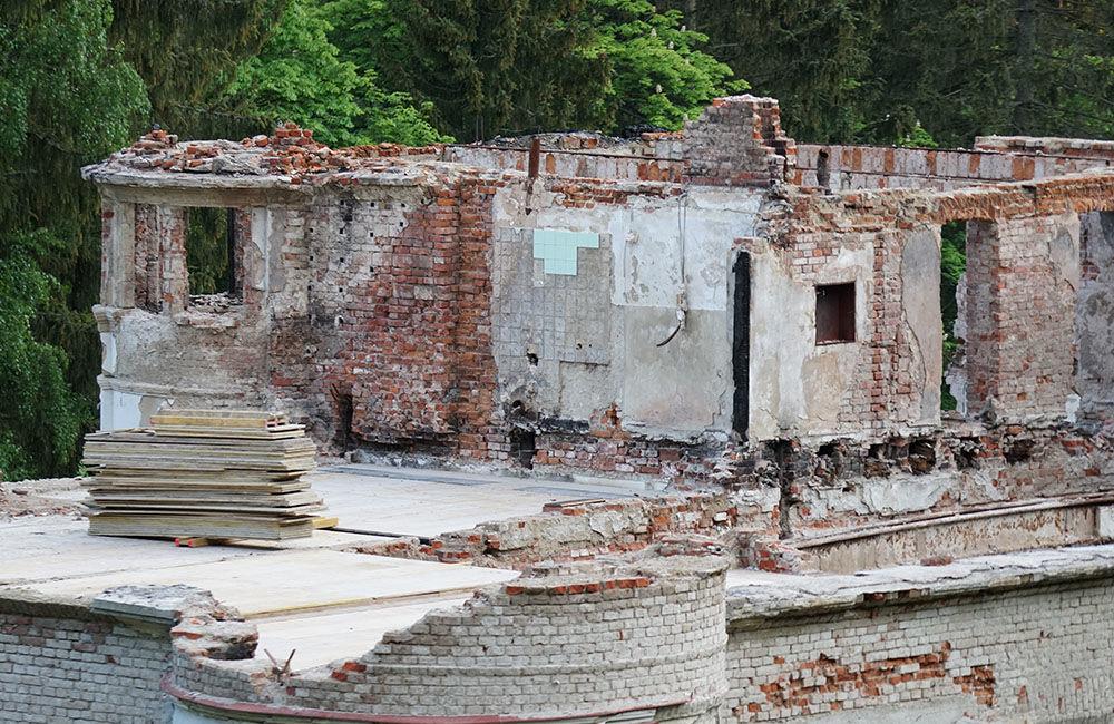 FOTO: Rekonštrukčné práce na vyhorenom zámku v Kunerade prebiehajú v plnom prúde, foto 19