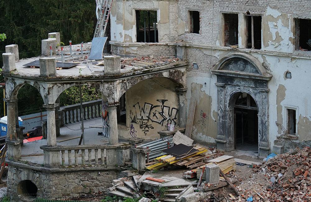 FOTO: Rekonštrukčné práce na vyhorenom zámku v Kunerade prebiehajú v plnom prúde, foto 20