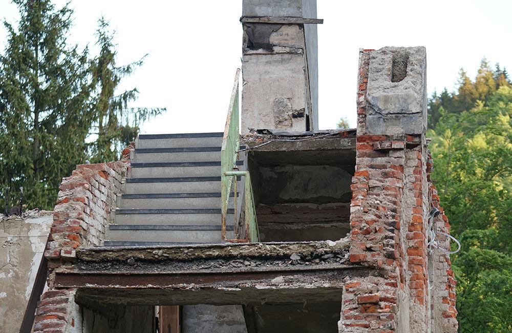 FOTO: Rekonštrukčné práce na vyhorenom zámku v Kunerade prebiehajú v plnom prúde, foto 22