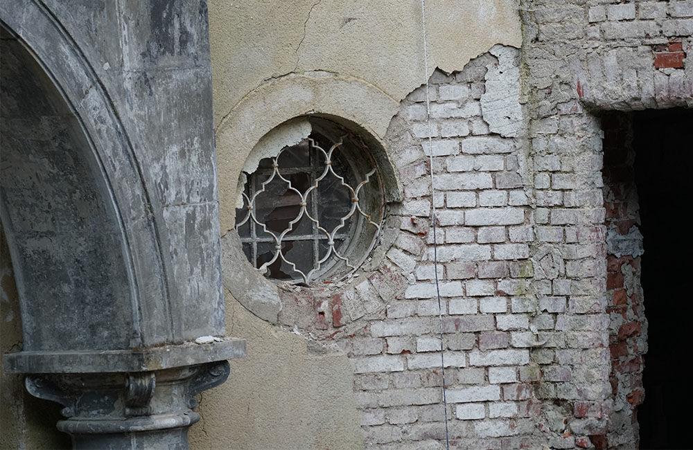 FOTO: Rekonštrukčné práce na vyhorenom zámku v Kunerade prebiehajú v plnom prúde, foto 23