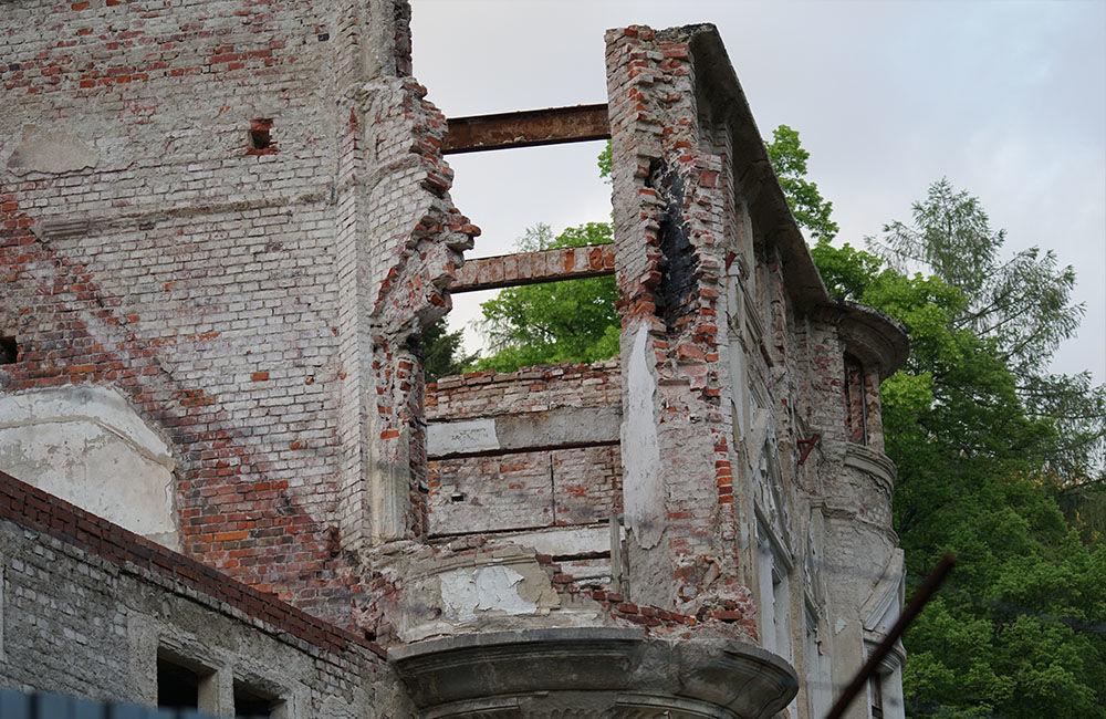 FOTO: Rekonštrukčné práce na vyhorenom zámku v Kunerade prebiehajú v plnom prúde, foto 24