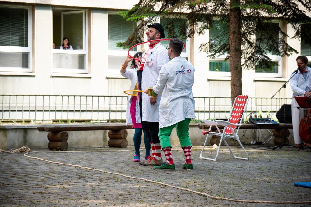 Klauniáda pre deti vo FNsP Žilina, foto 1