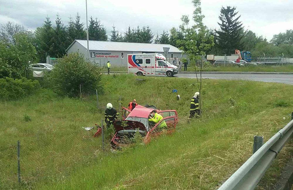 FOTO: Na ceste prvej triedy v Martine došlo k zrážke osobného auta s nákladným, foto 2