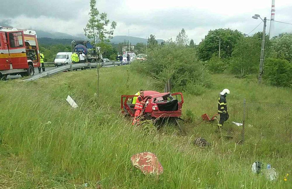 FOTO: Na ceste prvej triedy v Martine došlo k zrážke osobného auta s nákladným, foto 3