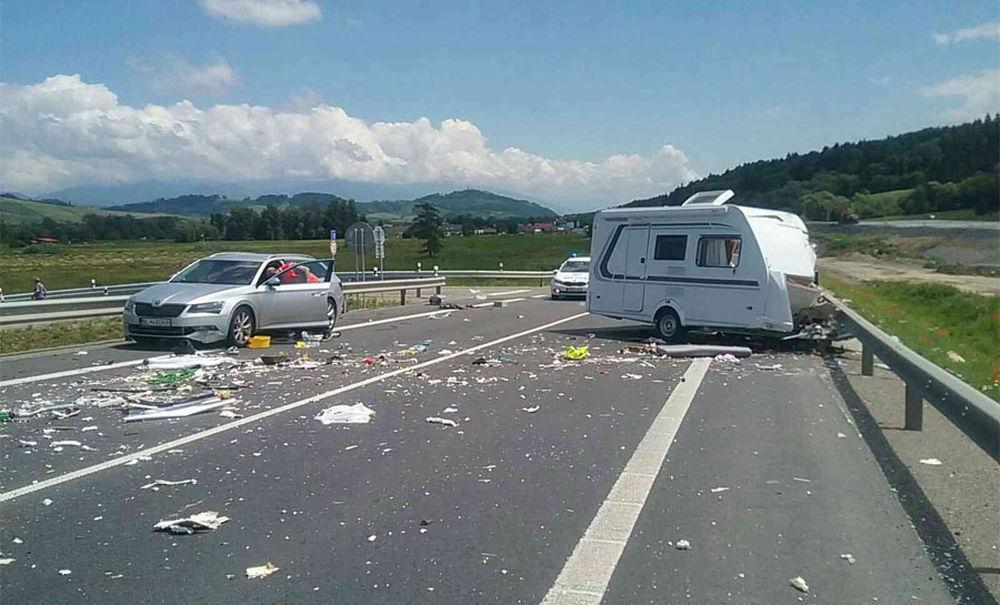 FOTO: Tragická dopravná nehoda v katastri obce Ivachnová 24.6.2020, foto 1
