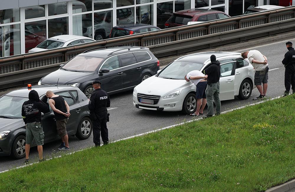V pondelok 29. júna prebehla policajná akcia na Košickej ulici v Žiline, foto 2