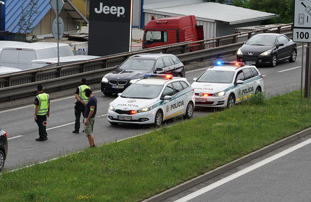 V pondelok 29. júna prebehla policajná akcia na Košickej ulici v Žiline, foto 4