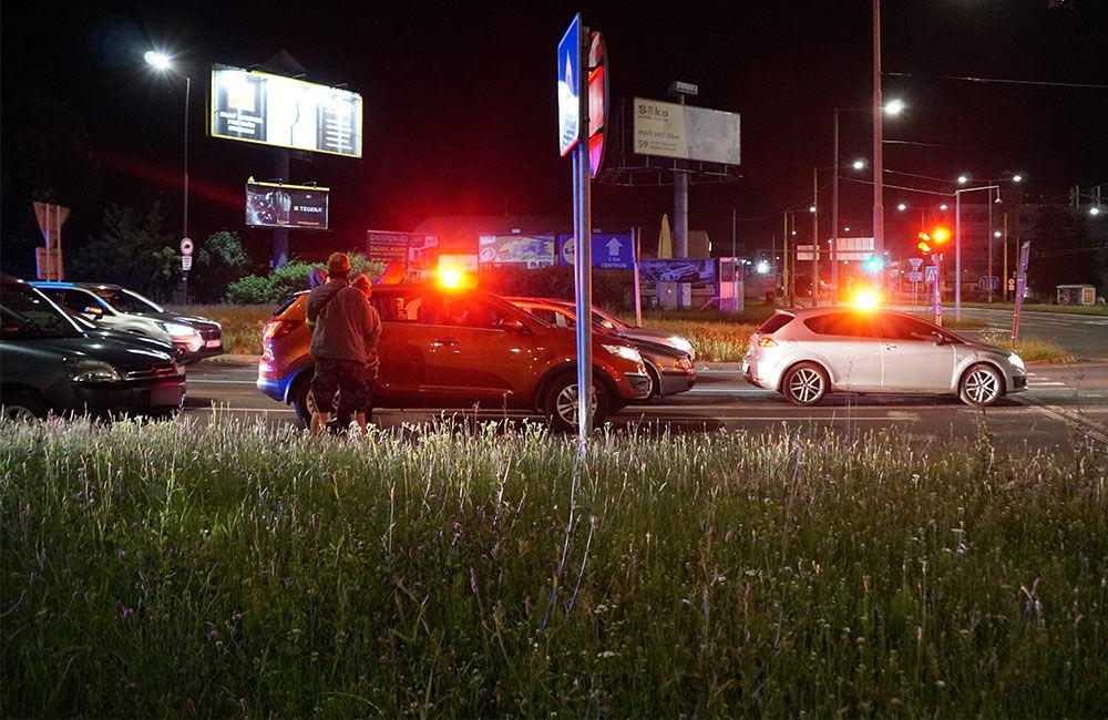 FOTO: Kriminalisti spolu s kukláčmi vykonali v utorok ďalšiu raziu na Košickej ulici v Žiline, foto 2