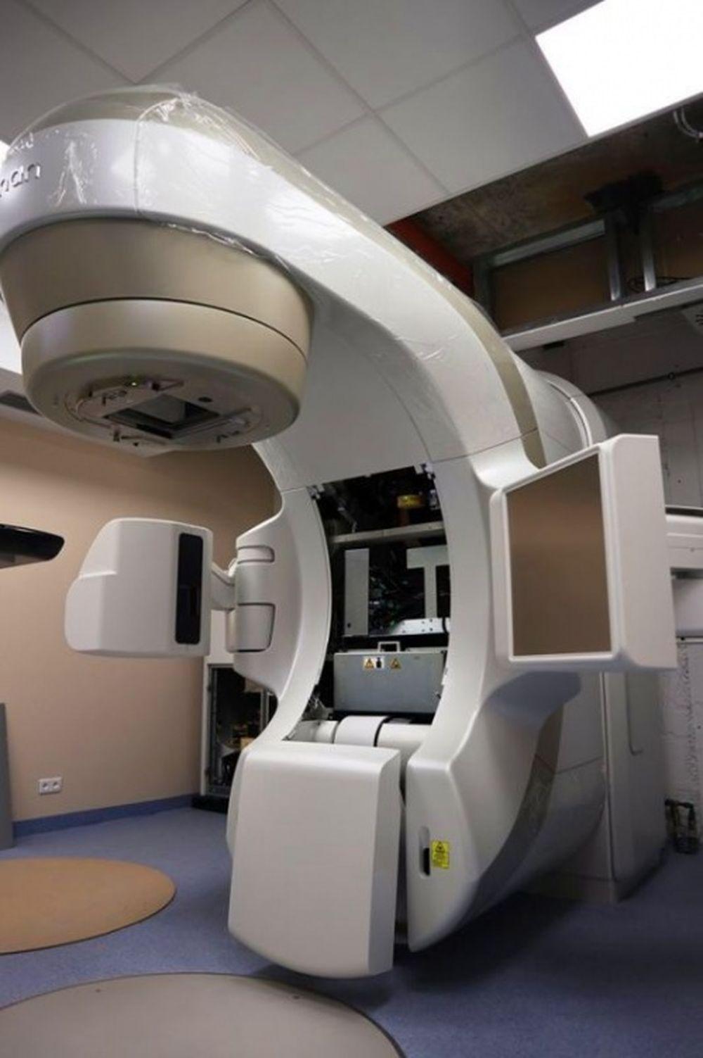 FOTO: Stavebný ruch v žilinskej nemocnici neutícha, na oddelení onkológie inštalujú nové zariadenia, foto 3