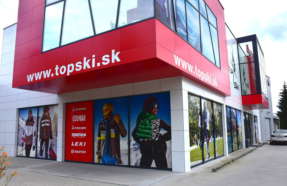 FOTO: Predajňa Topski v Žiline so širokým sortimentom športovej výbavy, foto 2