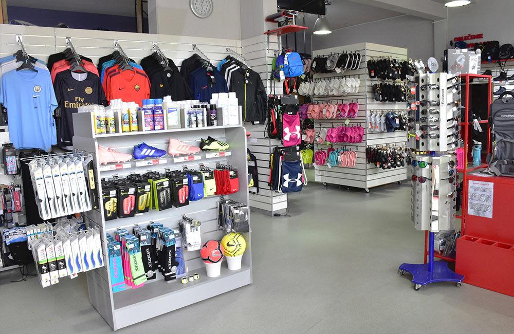 FOTO: Predajňa Topski v Žiline so širokým sortimentom športovej výbavy, foto 3