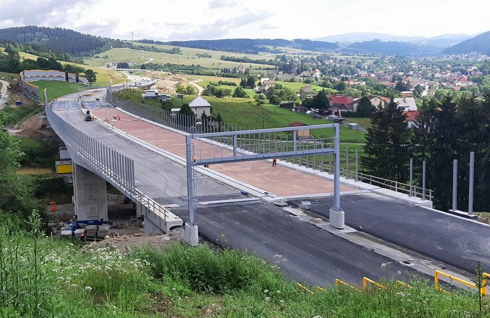 FOTO: Aktuálne zábery z výstavby diaľničného úseku D3 Čadca, Bukov - Svrčinovec, foto 2