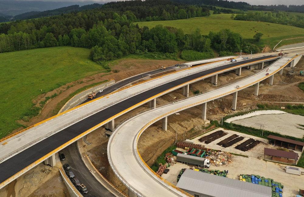 FOTO: Aktuálne zábery z výstavby diaľničného úseku D3 Čadca, Bukov - Svrčinovec, foto 8