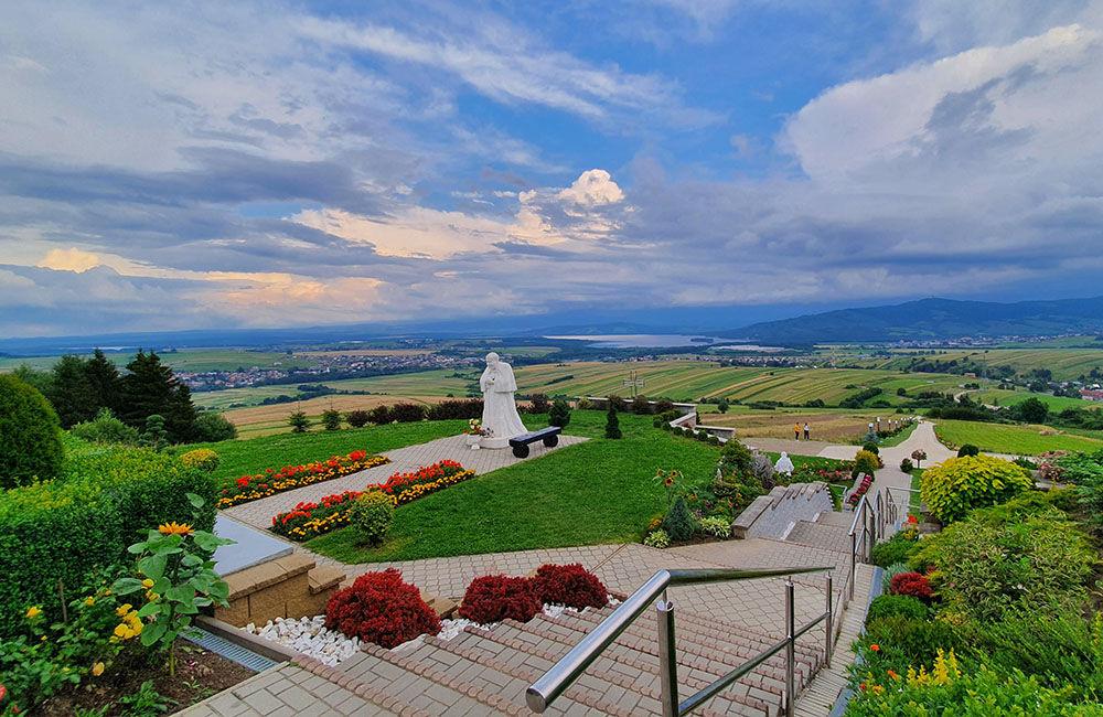 FOTO: Najvyššia socha Ježiša Krista na Slovensku stojí na Orave, foto 1
