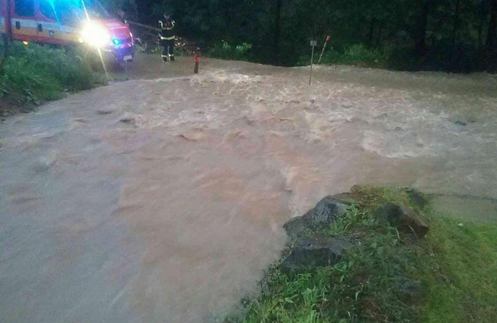 FOTO: Následky prívalových dažďov v piatok 24. júla odstraňovali v okresoch Žilina a Čadca, foto 7