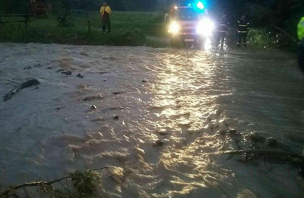FOTO: Následky prívalových dažďov v piatok 24. júla odstraňovali v okresoch Žilina a Čadca, foto 8