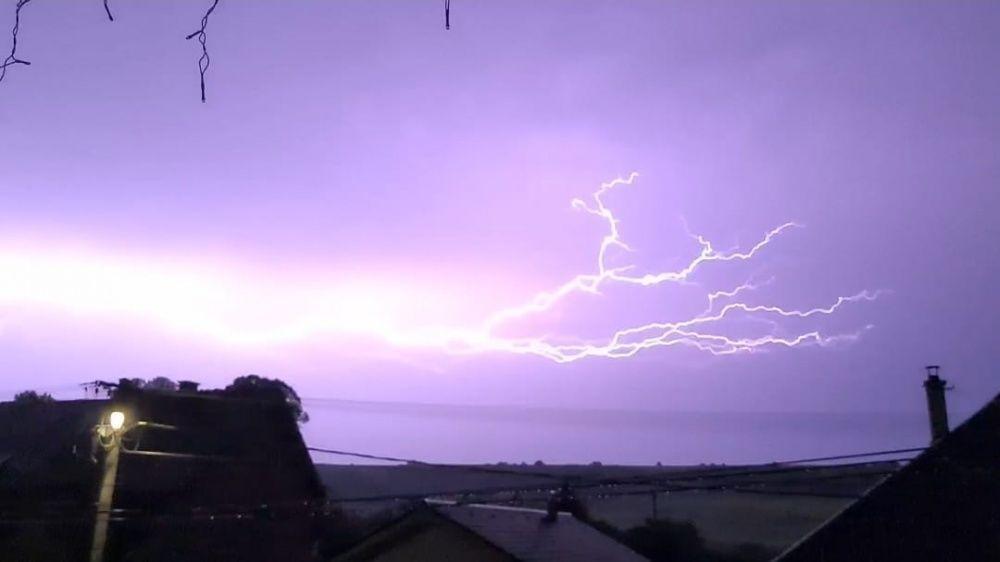 FOTO: Búrka, ktorá v utorok 28. júla zasiahla Žilinský kraj, na záberoch od čitateľov, foto 13