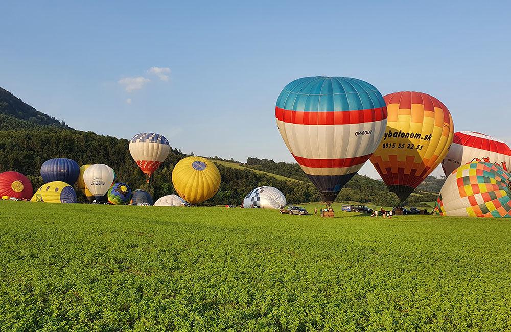 FOTO: Rajecká balónová fiesta 2020 štartovala aj pri Tepličke nad Váhom, foto 1