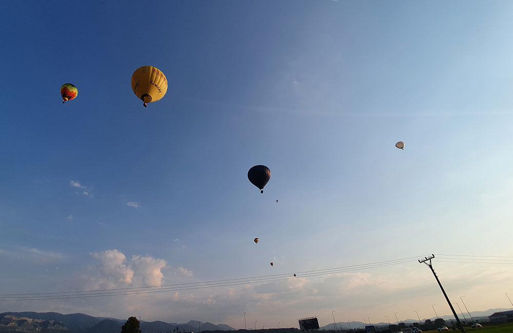 FOTO: Rajecká balónová fiesta 2020 štartovala aj pri Tepličke nad Váhom, foto 13