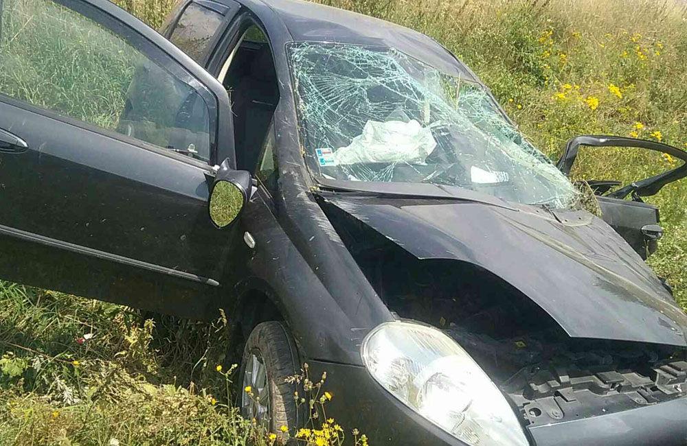 FOTO: Na ceste prvej triedy na Liptove došlo k čelnej zrážke dvoch áut, cesta je uzavretá, foto 5