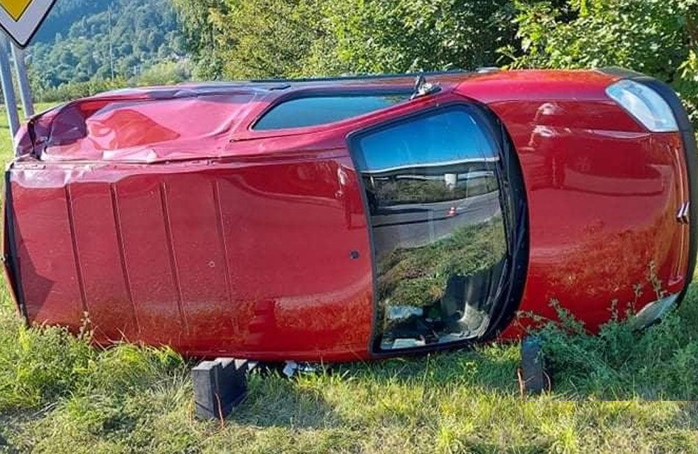 FOTO: Na vjazde do Žiliny od Terchovej havaroval 67-ročný vodič, pri kontrole nafúkal 2,56 promile, foto 1