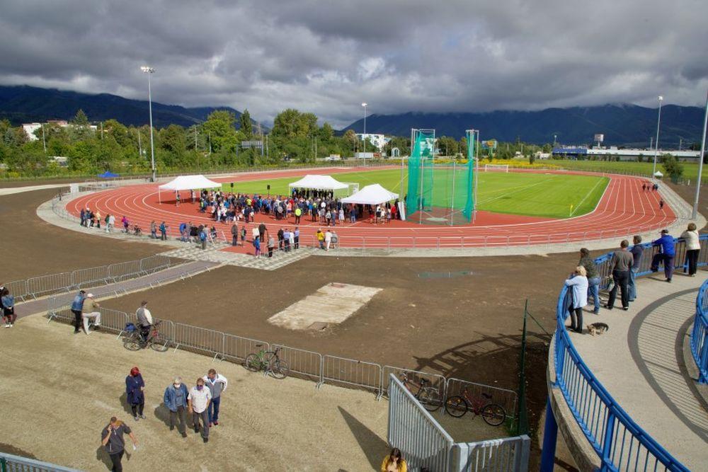 FOTO: Nový atletický štadión v Martine, foto 10