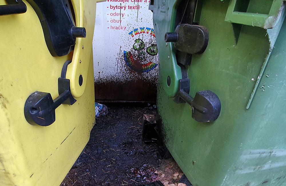 FOTO: Medzi kontajnery na separovaný odpad v mestskej časti Rosinky niekto vylial asfaltovú emulziu, foto 4