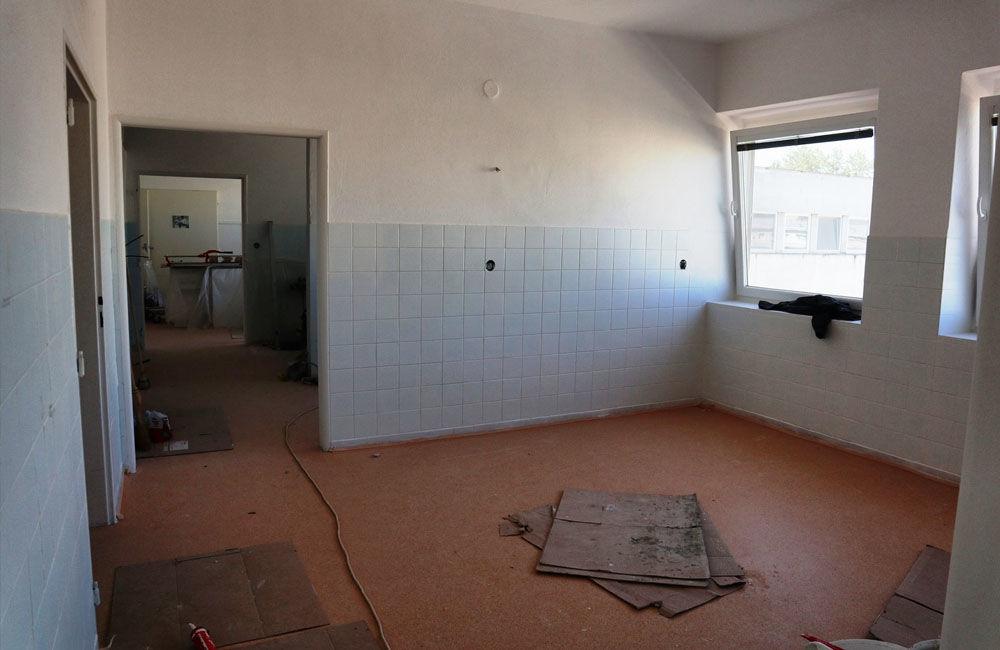 FOTO: Žilinská nemocnica rozšírila rekonštrukciu pôrodnice o ďalšie časti, práce potrvajú dlhšie, foto 5