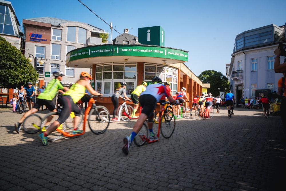 FOTO: Na Hlinkovom námestí odštartoval Žilinský mestský polmaratón 2020, foto 9